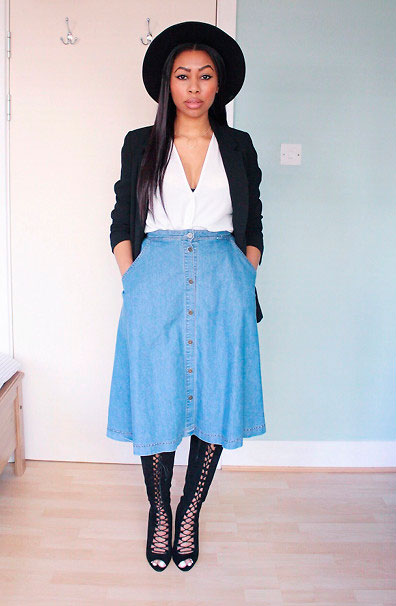 Denim-Bottons-Skirt-Black-Cardigan-Boots