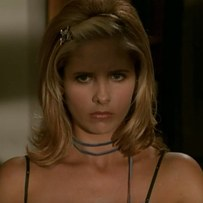 Buffy-The-Vampire-Slayer-Get-the-look-De-Lilac (22)
