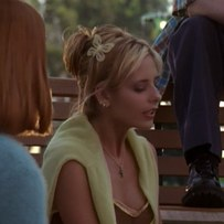 Buffy-The-Vampire-Slayer-Get-the-look-De-Lilac (23)