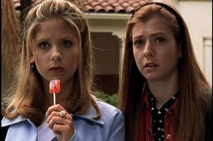 Buffy-The-Vampire-Slayer-Get-the-look-De-Lilac (25)