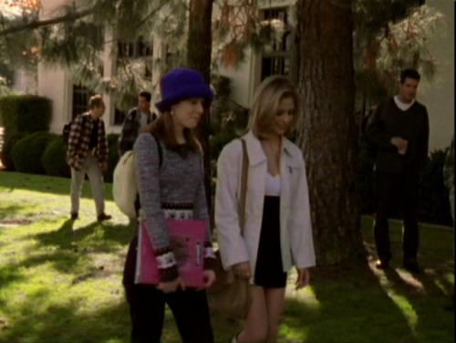 Buffy-The-Vampire-Slayer-Get-the-look-De-Lilac (28)