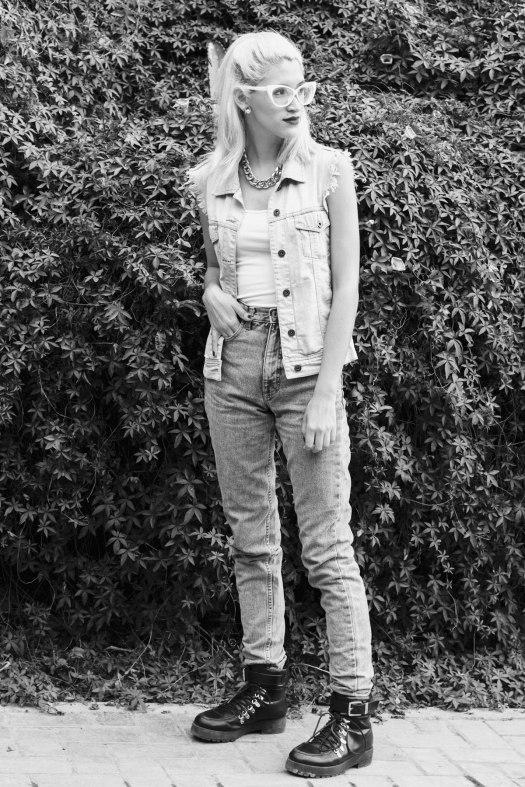 Vintage-High-Waisted-Jeans-DeLilac