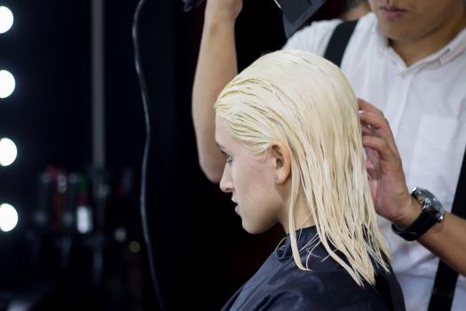 Blush-Hair-and-Make-Up-Cambio-de-Look-Cabello-Rosado---Delilac-Andrea-Chavez-4