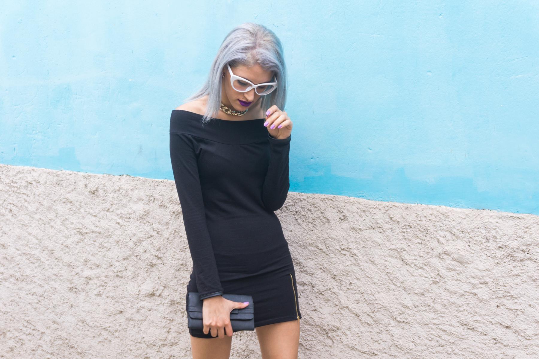 Vestido negro y stilletos lilas delilac  (1)