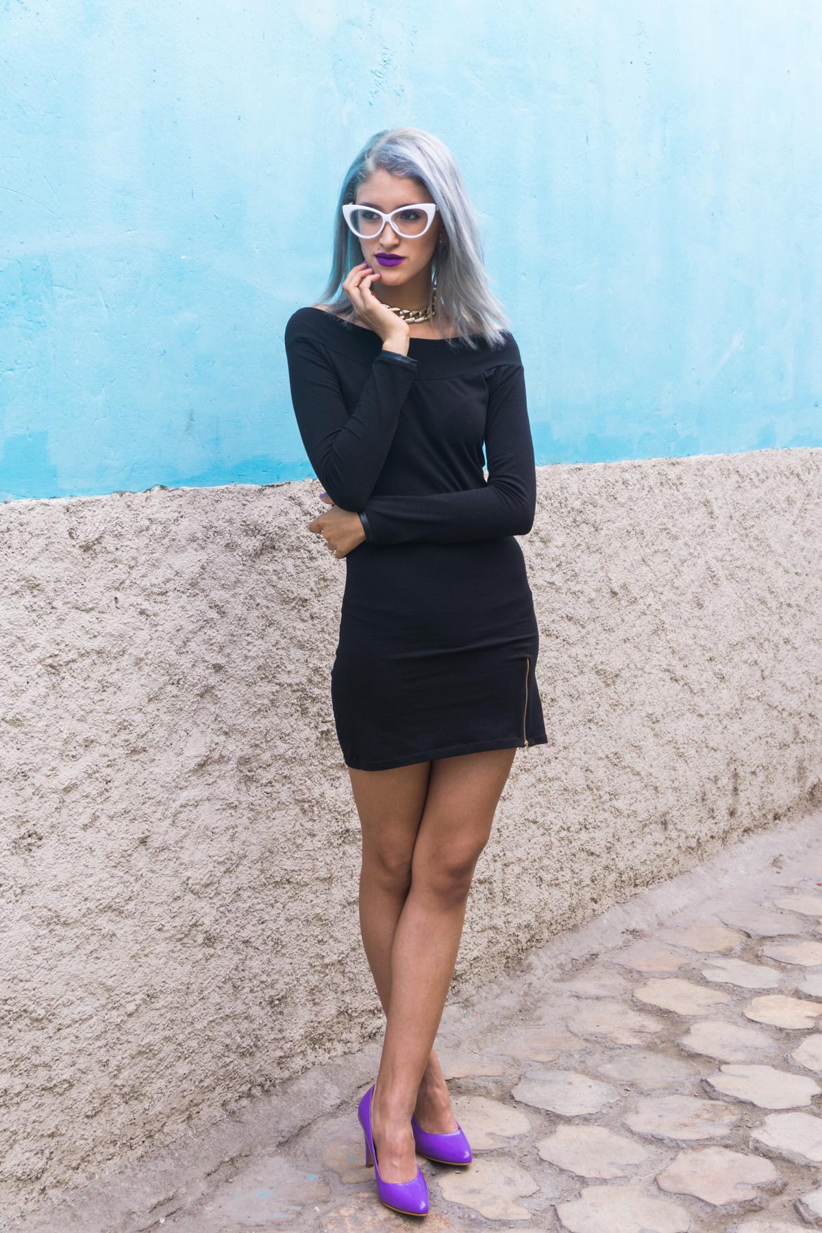 Vestido negro y stilletos lilas delilac  (5)