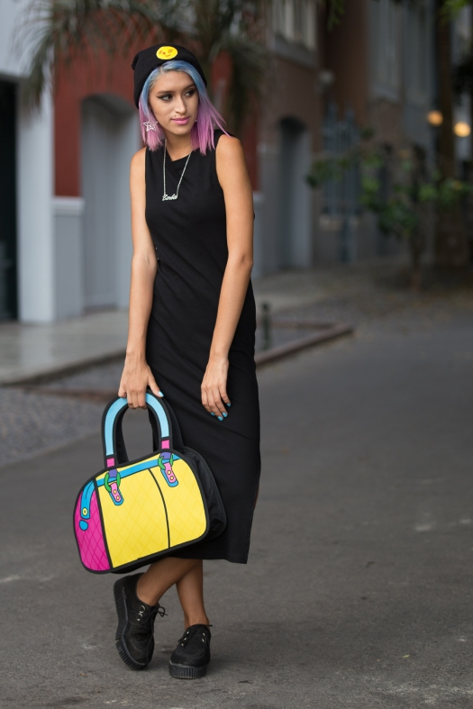 Cartoon bag and grunge black dress Nowlovers (1)