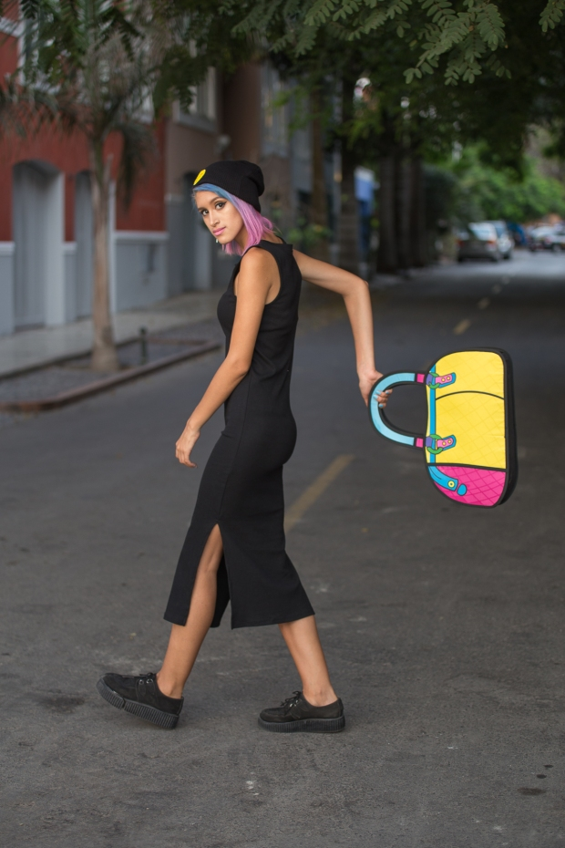 Cartoon bag and grunge black dress Nowlovers (14)