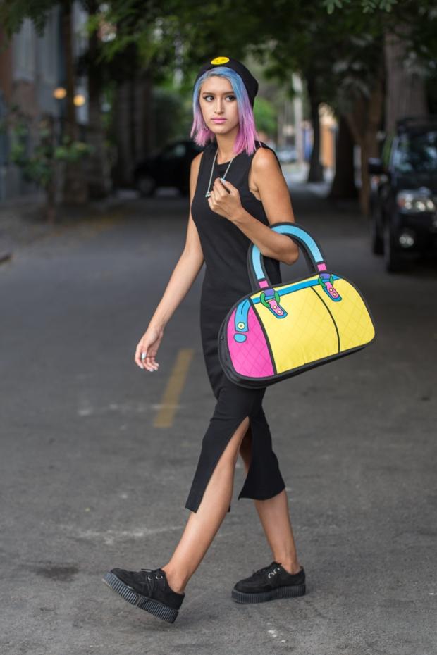 Cartoon bag and grunge black dress Nowlovers (4)
