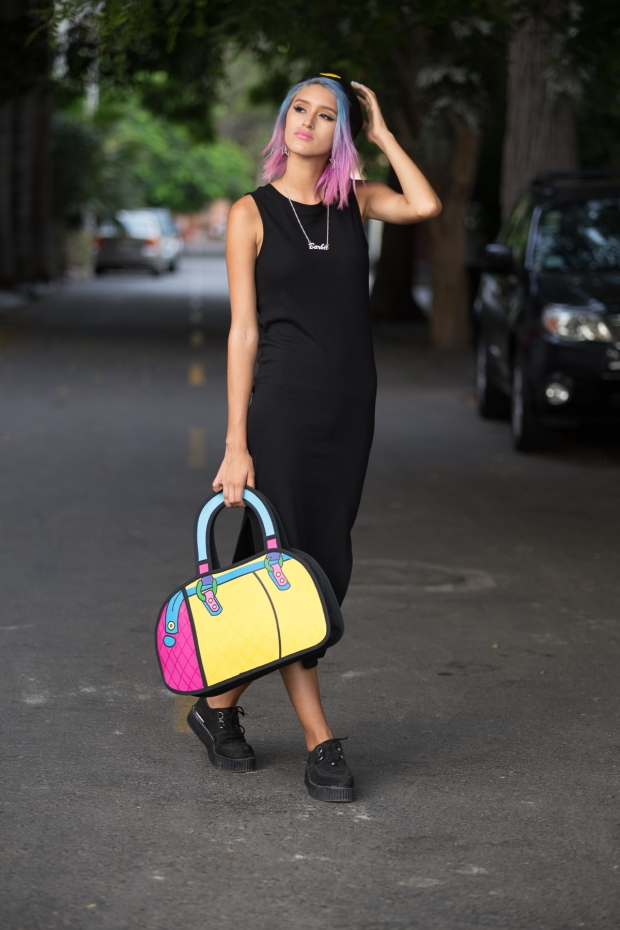 Cartoon bag and grunge black dress Nowlovers (5)