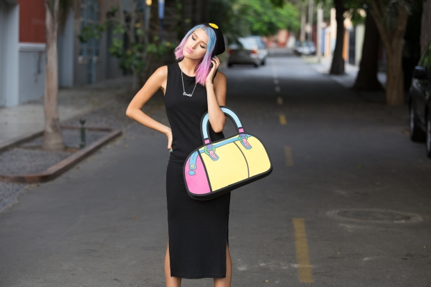 Cartoon bag and grunge black dress Nowlovers (6)