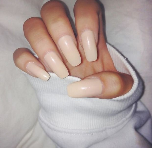 nude nails.jpg