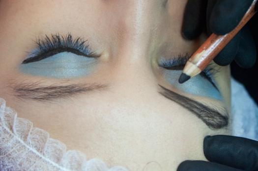 Cejas Kylie Jenner Tutorial por DeLilac - Tinte de cejas y cortado (10)