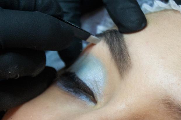 Cejas Kylie Jenner Tutorial por DeLilac - Tinte de cejas y cortado (13)