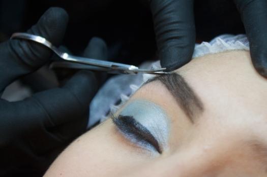 Cejas Kylie Jenner Tutorial por DeLilac - Tinte de cejas y cortado (19)