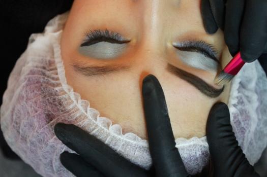 Cejas Kylie Jenner Tutorial por DeLilac - Tinte de cejas y cortado (24)