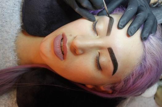 Cejas Kylie Jenner Tutorial por DeLilac - Tinte de cejas y cortado (33)