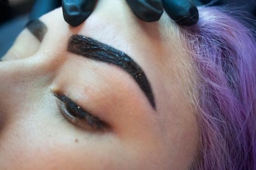 Cejas Kylie Jenner Tutorial por DeLilac - Tinte de cejas y cortado (34)
