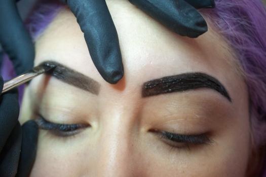 Cejas Kylie Jenner Tutorial por DeLilac - Tinte de cejas y cortado (35)