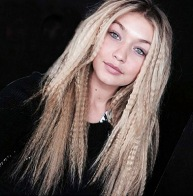 crimped-hair-2016-trend-gigi-hadid