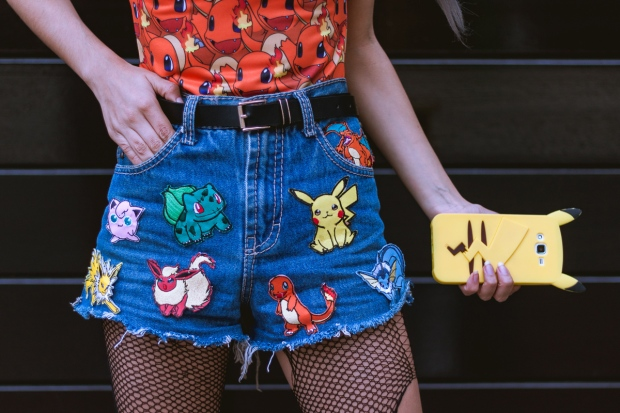 parches-patches-pokemon-on-denim-shorts-charmander-swimsuit-print-1