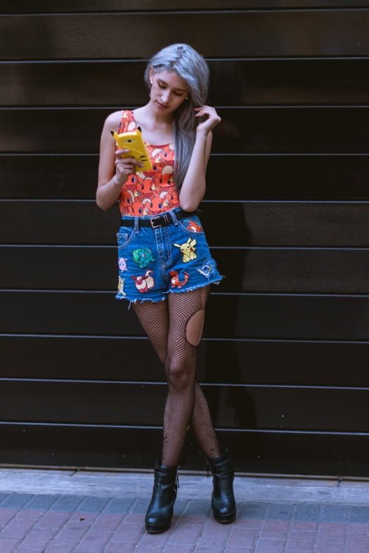 parches-patches-pokemon-on-denim-shorts-charmander-swimsuit-print-7