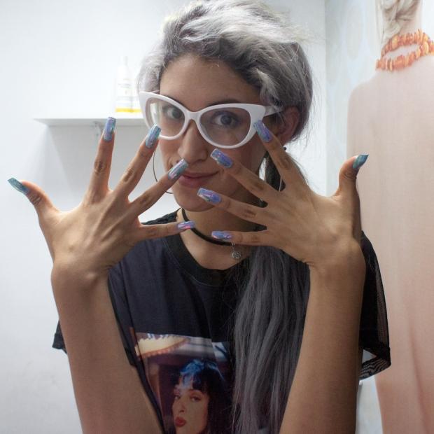 unas-holograficas-acrilicas-opal-glitter-nails-delilac-10