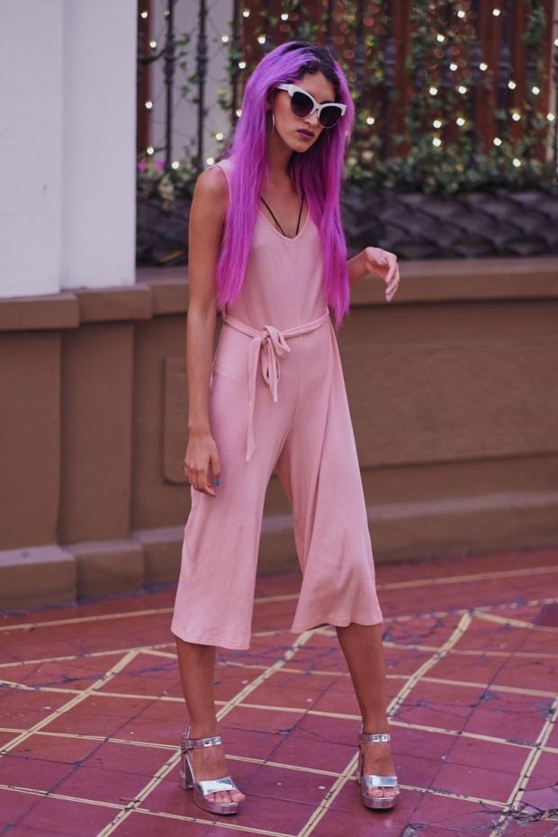 enterizo-rosado-pastel-gamiss-com-delilac-look-de-verano-oficina-y-coctel-8