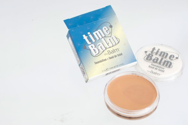 REVIEW THE BALM PERU baseTime Balm tono medium
