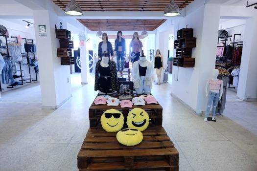 DIVAT - Galería Estilo Gamarra #949.jpg