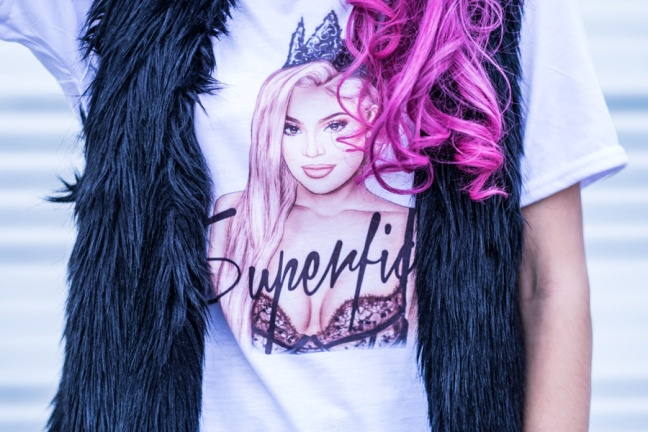 Superficial Kylie Jenner Tee Pink Tape Delilac (1)