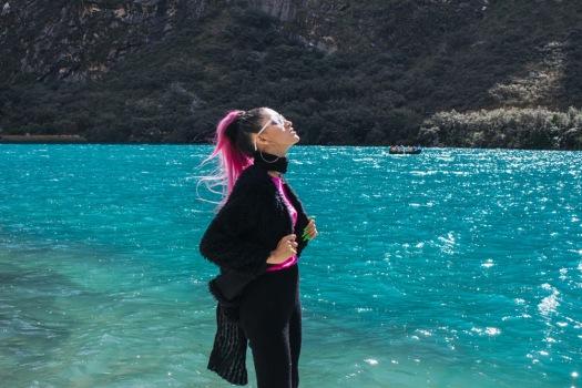 Conoce Laguna de Llanganuco travel to peru look delilac (1)