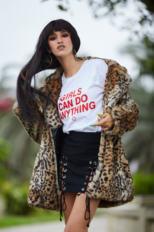 GIRLS CAN DO ANYTHING TEE FAUX STORE (17)