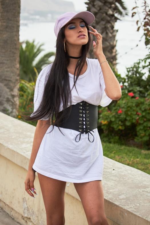 Zaful.com ropa review look sporty wool coat, corset belt, baseball hat delilac (10)
