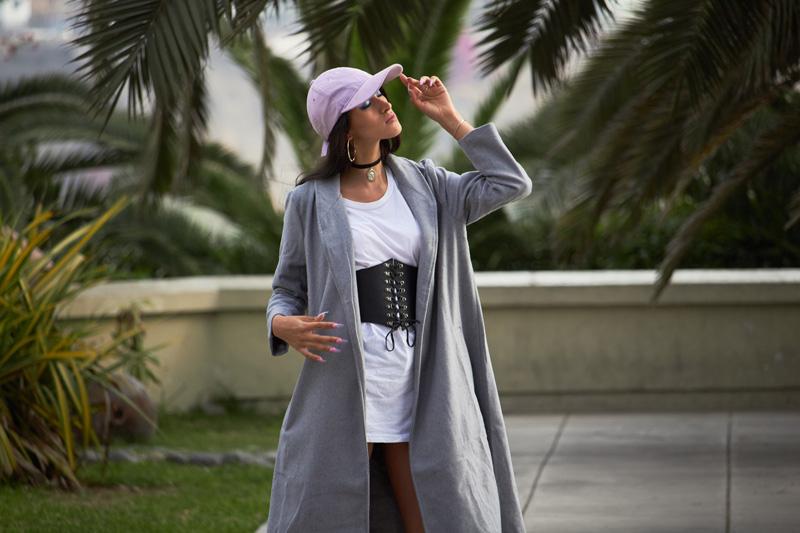 Zaful.com ropa review look sporty wool coat, corset belt, baseball hat delilac (13)