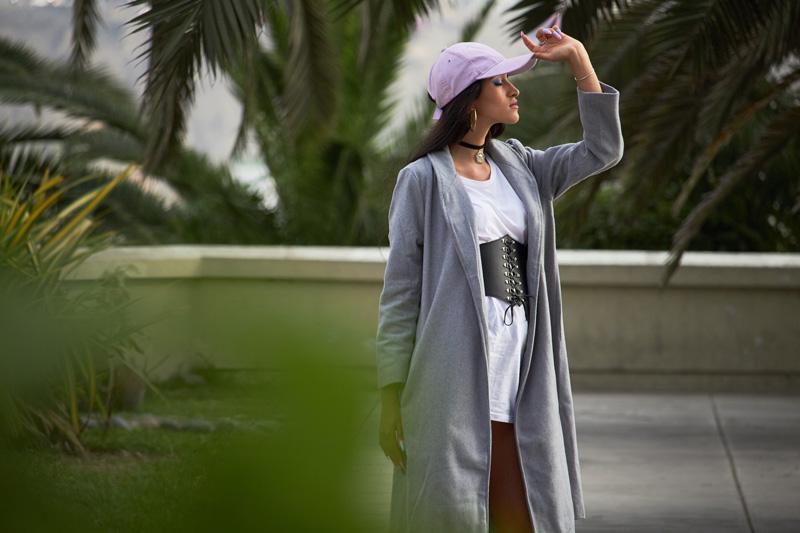 Zaful.com ropa review look sporty wool coat, corset belt, baseball hat delilac (14)