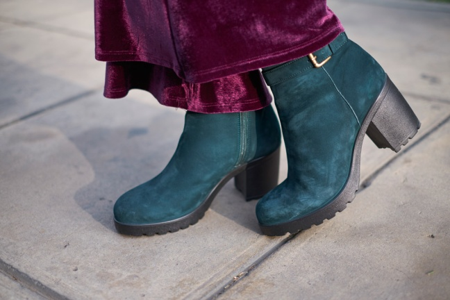 Bruno Ferrini Concept Green Boots ft. delilac look