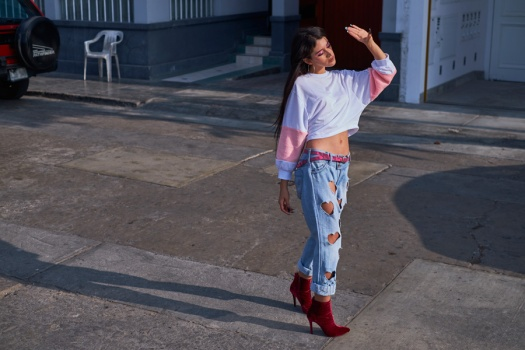 Bruno Ferrini Concept red boots zaful sweater street style look by delilac andrea chavez (6)