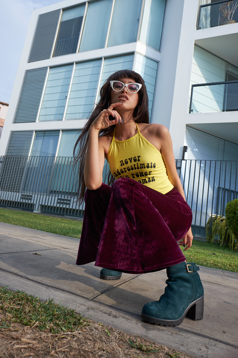 Never underestimate the power of a woman 90s halter top velvet bellbottoms green boots delilac (8)