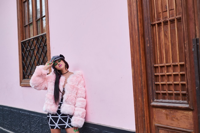 DeLilac-Pink-Fur coat yoins review (2)