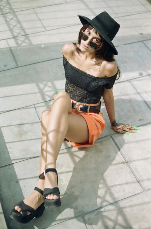 Vintage summer look with canon analog camera tumblr photos (3)