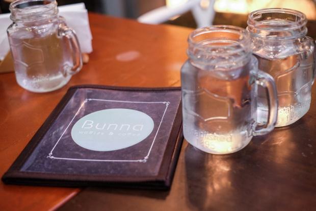 BUNNA MILKSHAKES Y WAFFLES PERUVIAN FOOD ANDREA CHAVEZ REVIEW (4)