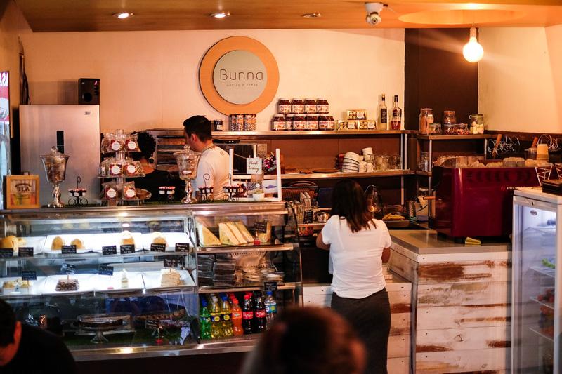 BUNNA MILKSHAKES Y WAFFLES PERUVIAN FOOD ANDREA CHAVEZ REVIEW (7)