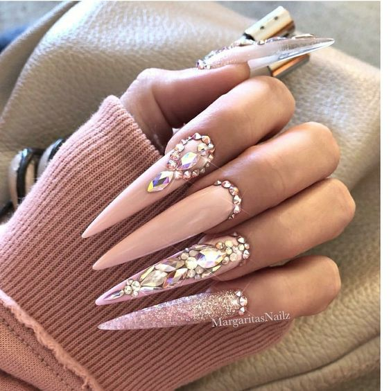 manicure inspo 2018 tendencias stiletto delilac (1)