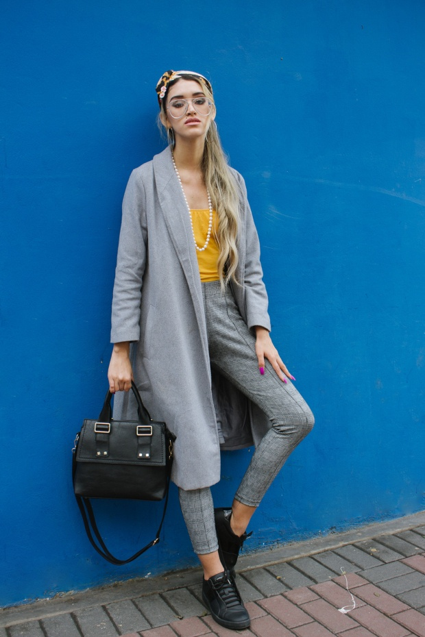 Grey coat and mustard winter outfit delilac (1)