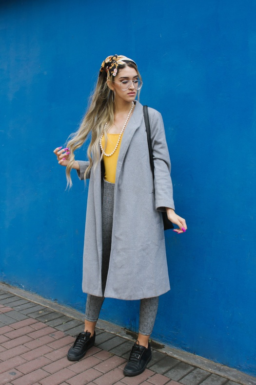 Grey coat and mustard winter outfit delilac (7)