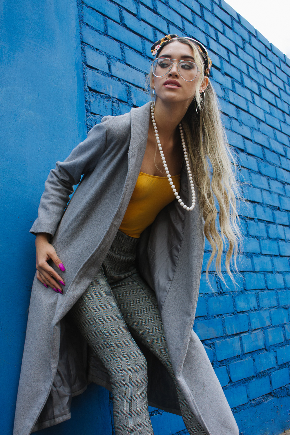 Grey coat and mustard winter outfit delilac (8)