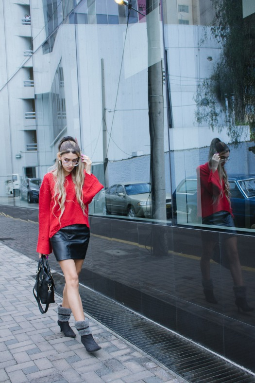 Red sweater and leather skirt for winter delilac blog andrea chavez look (10)