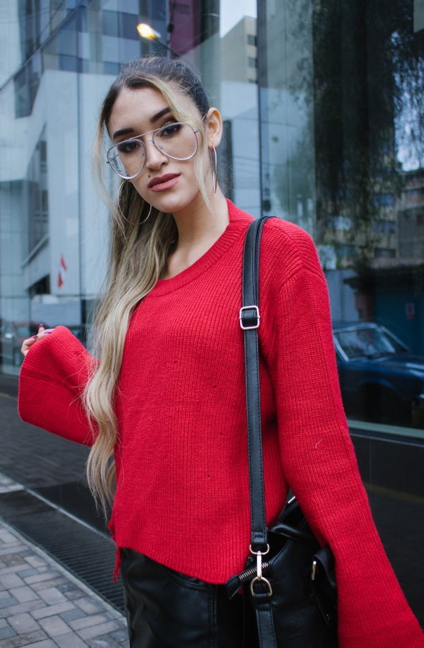 Red sweater and leather skirt for winter delilac blog andrea chavez look (12)