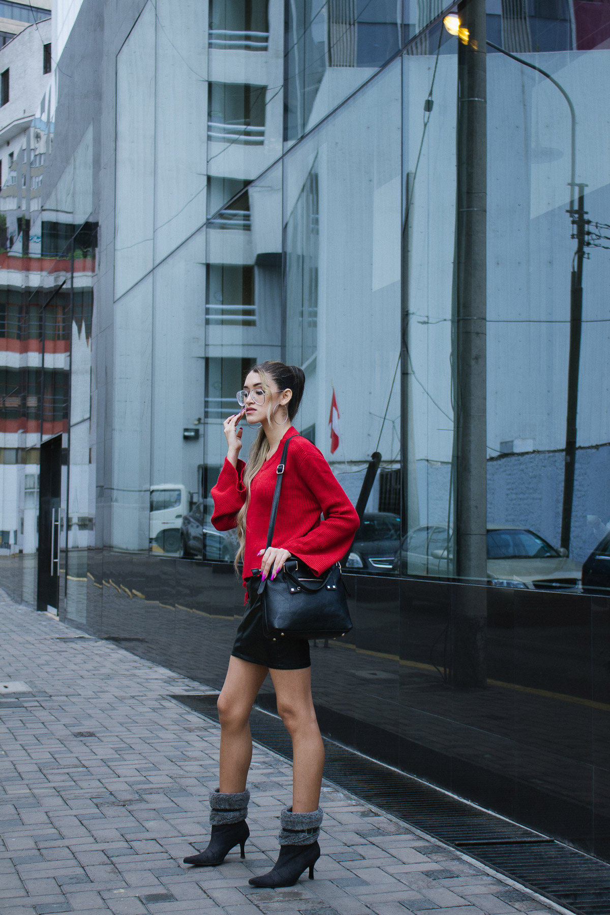 Red sweater and leather skirt for winter delilac blog andrea chavez look (3)