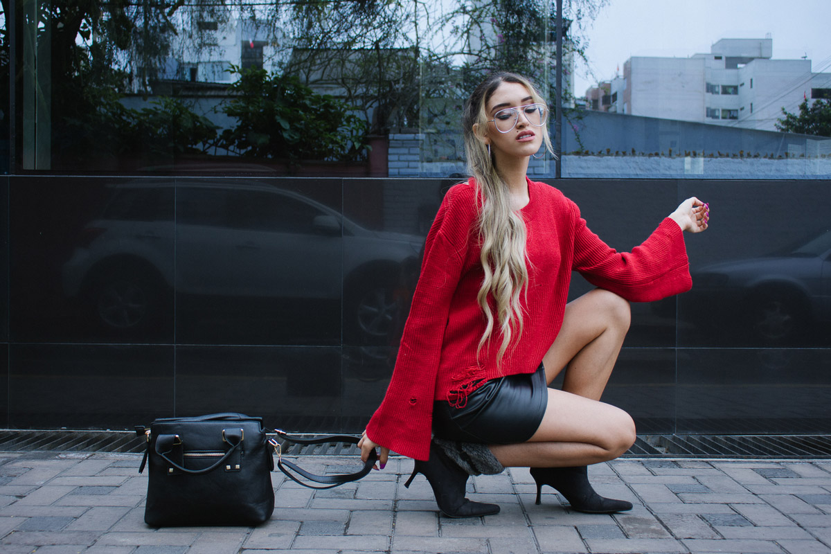 Red sweater and leather skirt for winter delilac blog andrea chavez look (4)